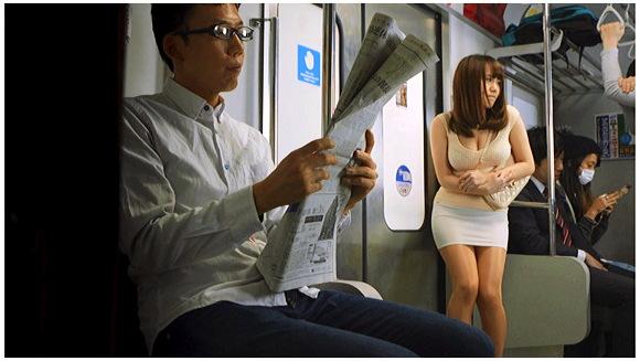 【お漏らし】『【緊急生放送】美女のおもらし生放送~恥じらいながらも溢れ出るオシッコ 完全版』他【画像+動画】