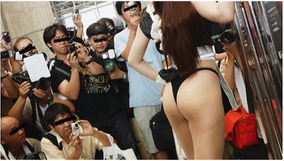 『超高画質FHD動画 不知火舞レイヤー危機一発!暴徒化カメコがスカートの中にビデオ突っ込みまくりNO-1』【Gcolleジーコレ+コスプレイヤー+美少女+ロリータ+盗撮+パンチラ+胸チラ】