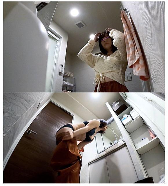 アヒル口がかわいい女子大生風のお姉さま 服を押し上げるほどにビンビンに勃起した乳首 無防備なシャワーと着替えを盗撮