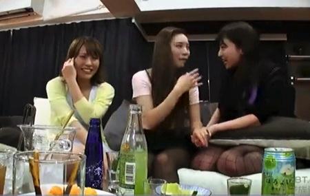 【盗撮動画】ハーレム・とてもエロい飲み会でエッチしまくりです!