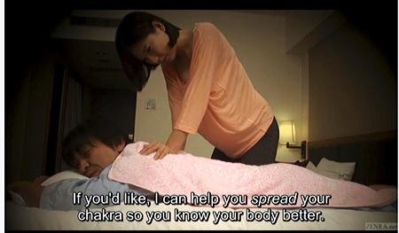 【個人撮影】マッサージ・これはエロいメンズエステ!整体師のお姉さんがデカチンを見てもう我慢ができません!