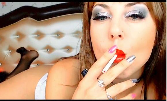 ウクライナカム女の子喫煙