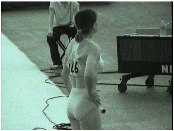 【赤外線】ジョキング中のお姉さんのお尻を暗視スコープでスケスケにしています『X線で透視されたスパンデックスの選手』他