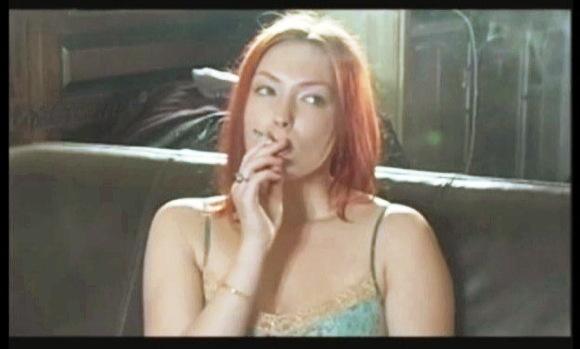【喫煙フェチ+Smoking】『踊って揺れるボインとお尻の喫煙フェチ動画』他【動画】