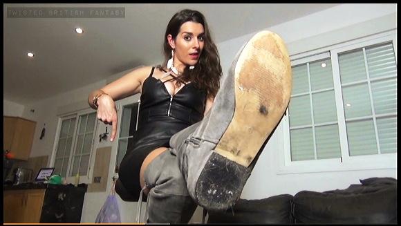 【足裏】『3日間も着用した不潔な靴下でいじめるわ』他【動画】