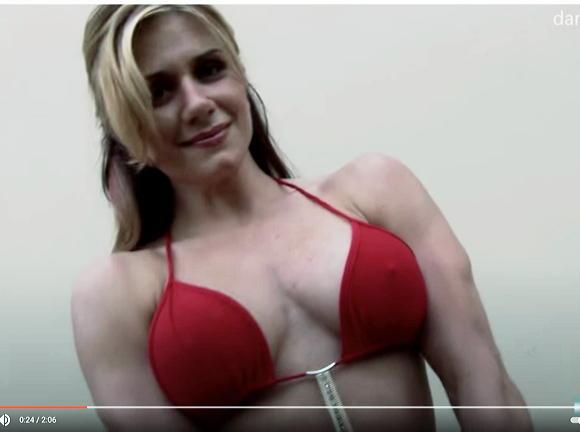 femflex5+女性ボディビルダー
