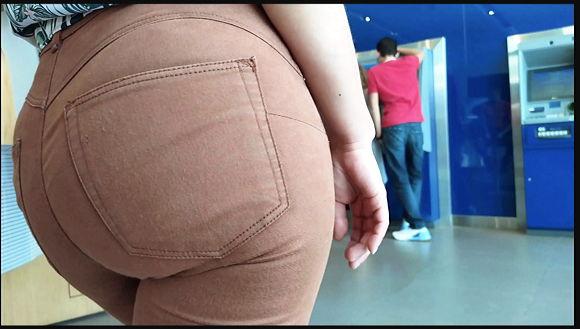 心臓発作してしまう完璧なジーンズの尻