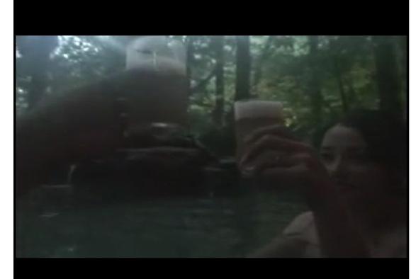 [盗撮]人妻と不倫旅行!露天風呂でビールです!
