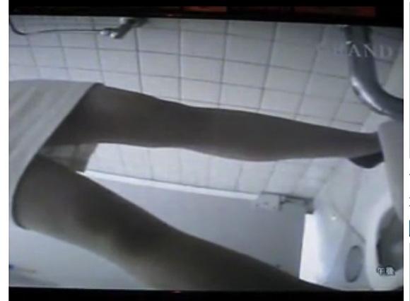[盗撮]公衆トイレにやってきた女性!便所だからウンコするわ!