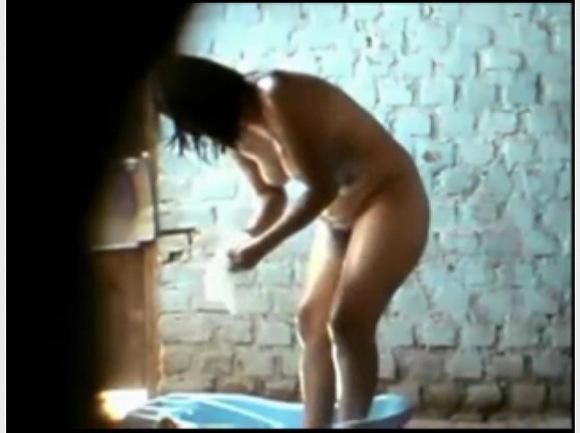 [盗撮]民家の風呂を隠し撮り!セクシーお姉さんは若い体!