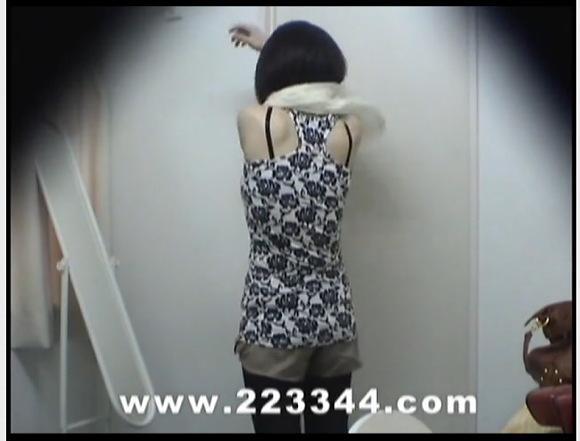 [盗撮]隠しカメラ日本人!美人のお姉さんの着替えシーンです!更衣室盗撮動画です!