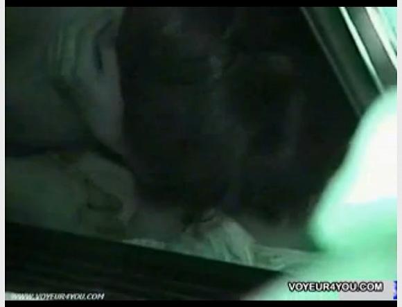 [盗撮]セクシーお姉さんは車でフェラチオ!こんなに大きいのね!カーセックス盗撮動画です![無修正]