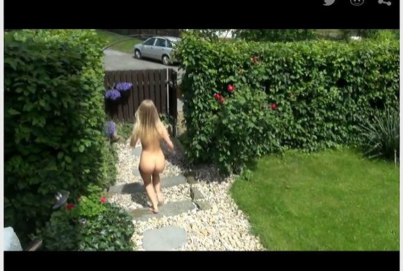 [盗撮]健康のためよ!全裸でジョキングに出るわ!露出盗撮動画です![無修正]