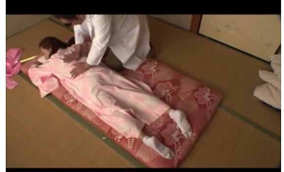 [盗撮]上原優さんは、寂れた温泉に行った!マッサージで濡れた!風呂セックス動画です!