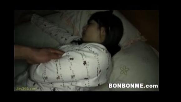 【民家盗撮】妹の部屋に深夜に潜入!ちょっと裸になってよ!