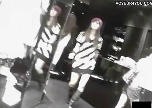 【パンチラ】渋谷のブティックの販売員のパンチラです!モデル並みです!