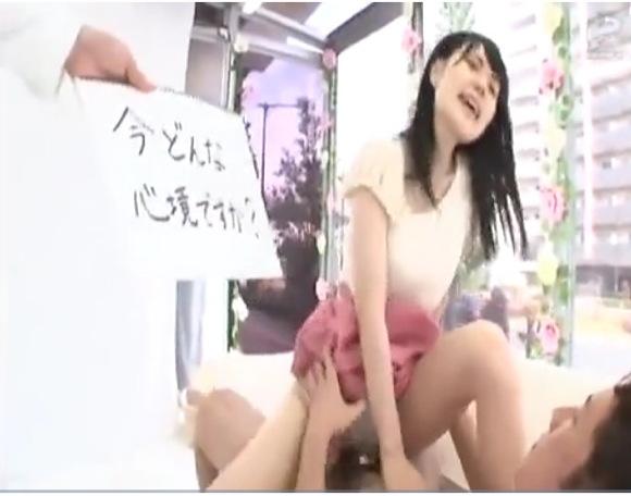 【マジックミラー号】学生の幸田ユマさんの性体験をインタビューして再現しています!
