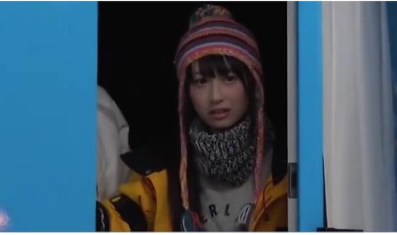 【マジックミラー号】信じがたい可愛さの美少女!本澤朋美さんは彼氏が外にいるのにオメコした!