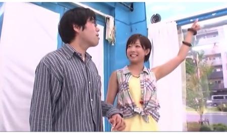 可愛い美少女の紗倉まなさんが街頭で童貞っぽい男を捕獲!デカパイでエッチを教える!