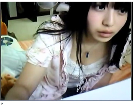 かなりの美貌を誇る若い美少女がオナニー!生ストリーミング配信!:無料まとめアンテナ