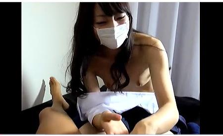 【個人撮影】スマートな美人jk!男のおチンチンを出して握る生ストリーミング配信!:無料まとめアンテナ