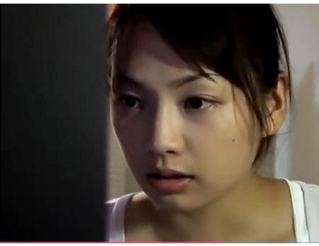 【君島冴子+花岡じった+染島貢】不倫をしていたら盗撮されてしまった美人嫁!脅されてチンポコを挿入されてしまいます。