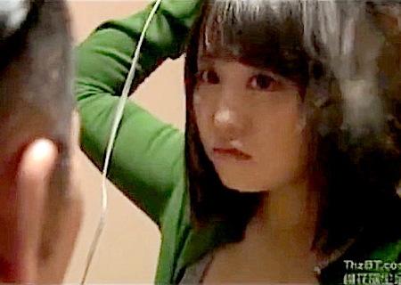 【竜二(和泉湧水) +月本愛+ジョニー岡本】とても生々しいボインすぎる風呂上がりの連れ子女子高生!勃起した継父がもう我慢の限界です!