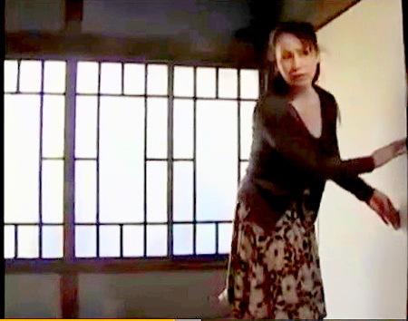 【ヘンリー塚本】押し入れて熟女がオナニーをしていたら息子にバレました!もう性欲が止まりません!