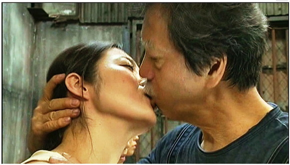【ヘンリー塚本】ヘンリー塚本監督みずからのベロチューと唾液交換指導もする接吻ものです『ねちっこいSEX 接吻 はまる!』【画像40枚】
