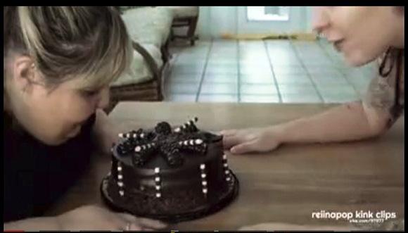 BBW『豊満なレズビアンカップルがケーキを食べる』他