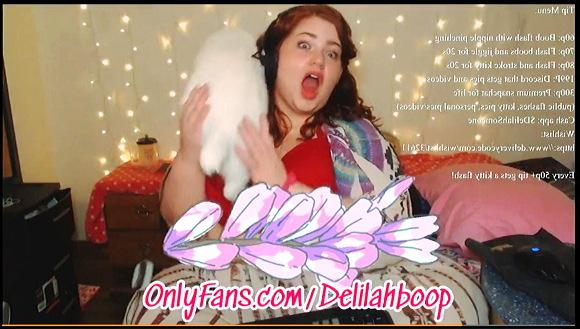 【BBW+デリシャス・デリラ(Delicious Delilah)】『SSBBWお姉さんがピザをスタッフィング。ストリップをしながらです』他【動画】