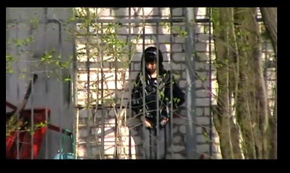 [盗撮]街角で隠し撮り!階段でパンチラしてます!パンチラ盗撮動画です!