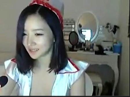 アイドル並に可愛い韓流の娘さん!セクシーなアダルトチャット!