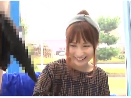 可愛い茨城県の女子大生、桃瀬ゆりさん!マ号で男友達とファック!