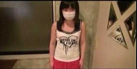 【円光】可愛いロリータ姉ちゃんはドスケベなおっさんとマグロ状態でファック!