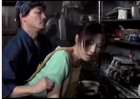 【ヘンリー塚本】ドスケベな義父が嫁を変態調教する!大友唯愛