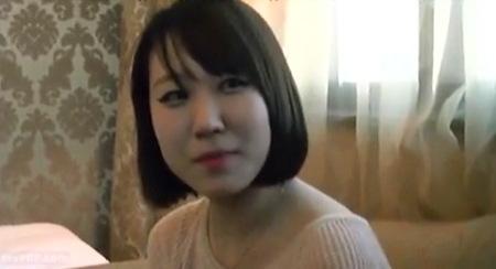 【素人ナンパ】韓国でセクシー姉ちゃんにおチンチンを見せたらナンパできた!