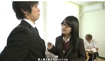 【時間よ止まれ】眼鏡の腐女子jkが時間を止めてイケメンを強姦レイプする!