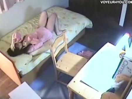【jk】変態の兄が妹の部屋を隠し撮りしたらオナニーしてた!
