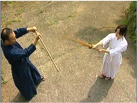 【ヘンリー塚本】真剣に剣道の練習を励むjk!指南役に強姦レイプされる!川上ゆう