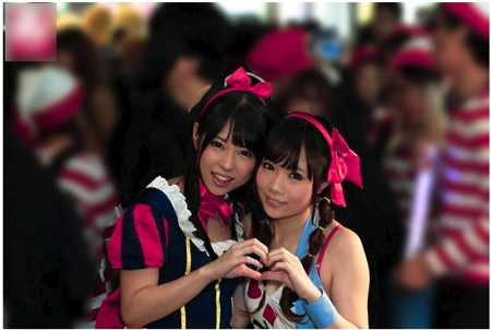 【素人ナンパ】ハロウィンの渋谷でナンパ!賞金50万円でレズビアンしませんか?あおいれな・小鳥遊まゆ(よしこ)