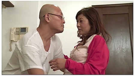 【ヘンリー塚本】妻が留守!股引のおっさんが中年女を家に呼ぶ!