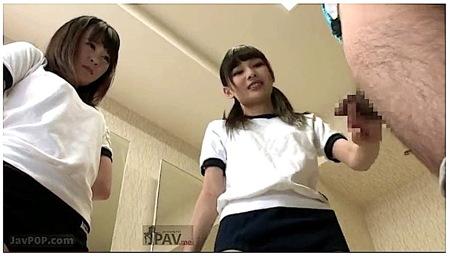 【跡美しゅり】女子更衣室で女装好き男子が見つかって逆レイプされる!