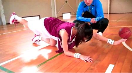 【桐谷まつり】ドスケベすぎる身体のHカップjk!コーチがセクシュアルハラスメント!
