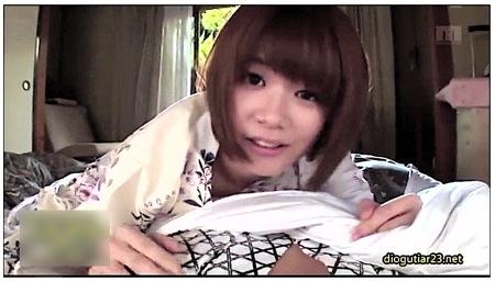 【伊東ちなみ】可愛い美少女と温泉に行って朝からフェラチオ!