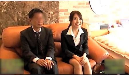 【モニタリングAV】コンドームなしで憧れの上司とラブホテルで一泊する企画!滝本エレナ