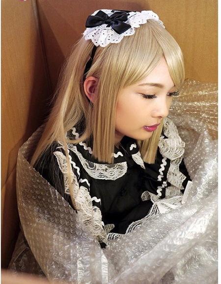 【跡美しゅり】人形あそび!可愛い美少女ロリータの人形が来た!