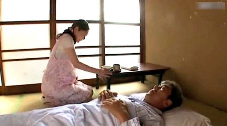 【ヘンリー塚本】妊娠中の嫁!介護されていた義父が勃起!