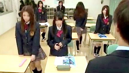 【ハーレム】男性教員と女子校!5人の痴女jkに目をつけられる!