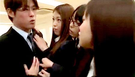 【ハーレム】男性教員と女子校!痴女jkグループに襲われる!